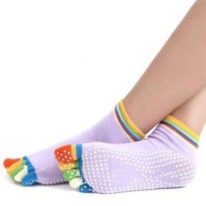 Minkoll Femmes antidérapantes, Coton Yoga Gym Toe Chaussettes de Massage Coloré Full Grip Chaussettes Talon (Couleur Violet)